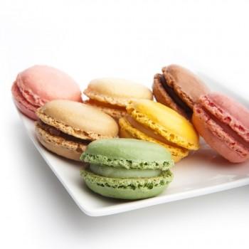 Assortiment van mini macarons in 4 kleuren 3,5 cm