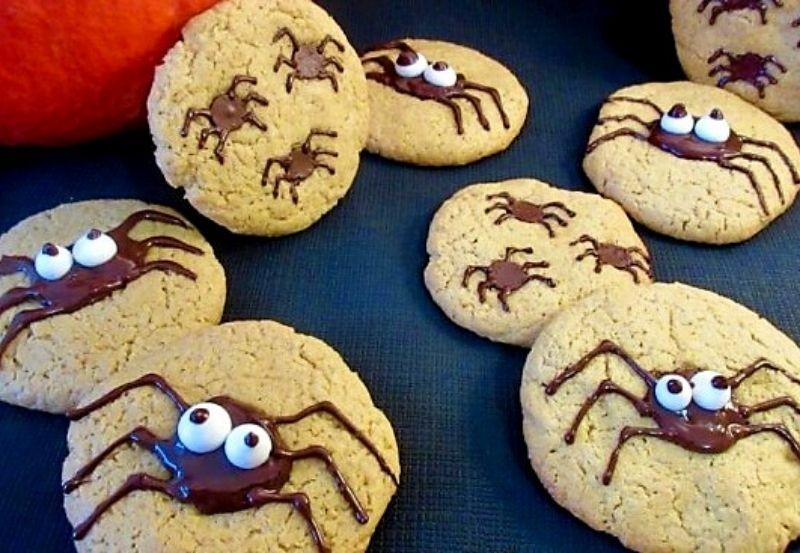 Cookies araignées au beurre de cacahuète et perles de meringue