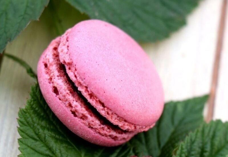 Macaron rose à la framboise