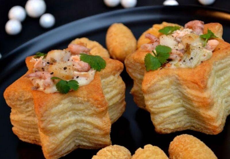 Etoile feuilletée au saumon, noix de saint Jacques et crevettes grises